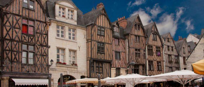 La place Plumereau : un lieu incontournable à Tours