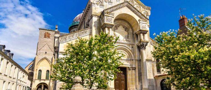 Une visite inoubliable de la basilique Saint-Martin à Tours